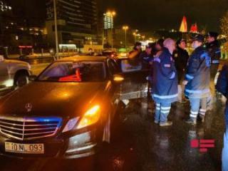 Жуткое ДТП в центре Баку, есть жертвы – [color=red]ФОТО[/color] - [color=red]ОБНОВЛЕНО[/color]