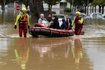 Сильное наводнение во Франции привело к жертвам