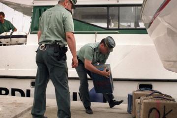 İspan polisi 2 tondan çox narkotik daşıyan sualtı gəmini saxlayıb