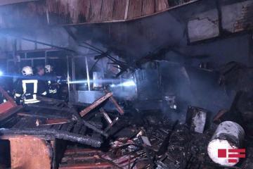 На Сабунчинском рынке произошел пожар - [color=red]ФОТО[/color]