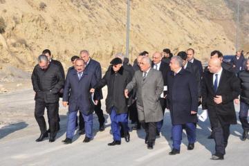 Landslide site on Bibiheybat road reviewed - [color=red]FOTOSESSION[/color]
