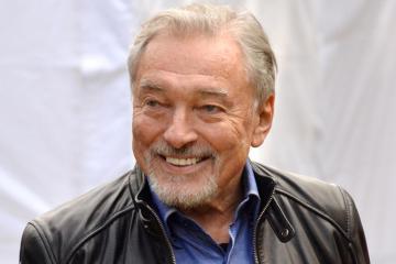 Умер певец Карел Готт