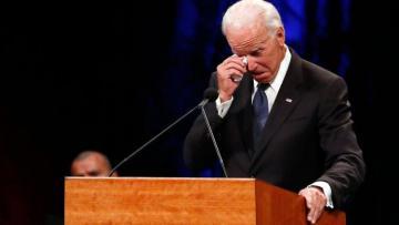 Рейтинг Байдена упал почти до минимума из-за украинского скандала в США
