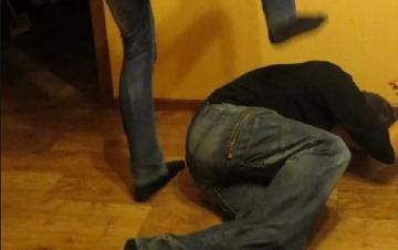 Житель Баку жестоко избил своего отца