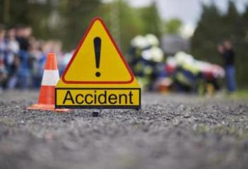 10 people dead after minibus collides with truck in Romania