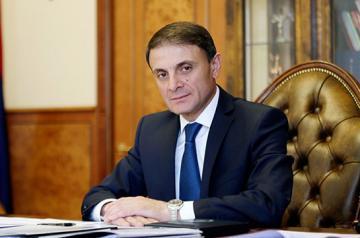 Armenian PM Pashinyan sacks chief advisor Valery Osipyan