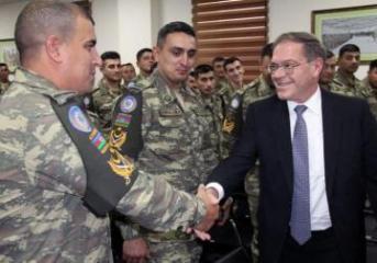 ABŞ səfiri Azərbaycan Ordusunun hərbi qulluqçuları ilə görüşüb