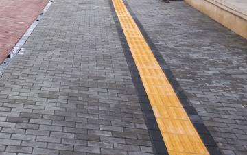 БТА: На всех тротуарах Баку будут уложены тактильные плиты для лиц с ограниченным зрением