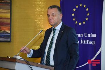 Еврокомиссия: В рамках транс-европейской транспортной сети в Азербайджан будет инвестировано более 2 млрд евро