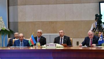 Ильхам Алиев принял участие в заседании в расширенном составе Совета глав государств СНГ