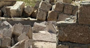 Жителя Губы насмерть задавило упавшим забором