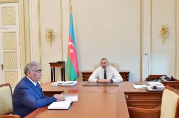 President Ilham Aliyev receives Head of State Agency of Azerbaijan Automobile Roads