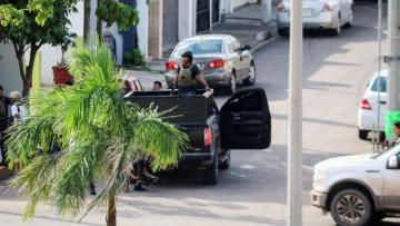 Задержание сына наркобарона Эль Чапо привело к боям в Мексике