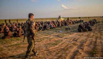 Шойгу: В Сирии без охраны остались 12 тюрем с иностранными боевиками ИГ