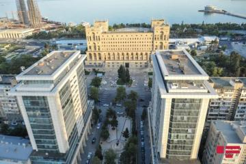 Движение на некоторых центральных дорогах Баку будет ограничено