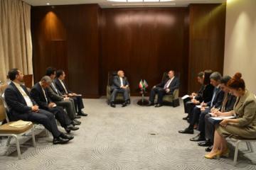 Azerbaijani FM meets with Iranian counterpart