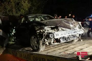 В Гяндже Opel врезался в забор при попытке скрыться с места ДТП - [color=red]ФОТО[/color]
