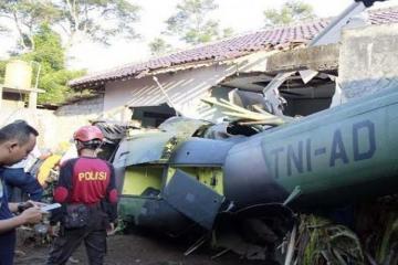 Kolumbiyada helikopter qəzasında 6 nəfər ölüb