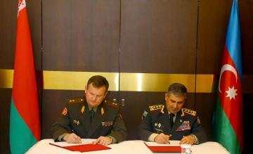 Azərbaycan və Belarus müdafiə nazirlikləri arasındaəməkdaşlıq planı imzalanıb