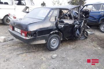 В Шамкире столкнулись два «ВАЗ»а, есть погибшие и раненые -[color=red] ФОТО[/color]