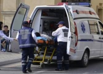 В Евлахе перевернулся Nissan, ранены две женщины