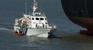 Indian Coast Guard rescues 20 people from a stranded ship in Arabian sea