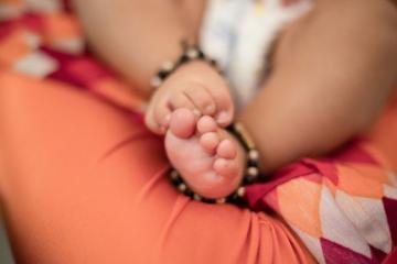 В Индии 74-летняя женщина родила двойню