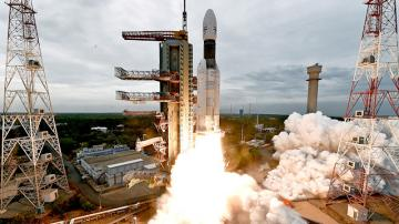 Indian PM addresses India after moon landing fails