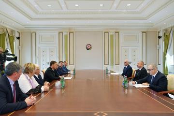 Prezident İlham Əliyev Sverdlovsk vilayətinin qubernatorunu qəbul edib