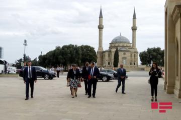 AŞPA prezidenti Şəhidlər Xiyabanını ziyarət edib