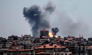 Израиль нанес удары по военной базе ХАМАС в секторе Газа