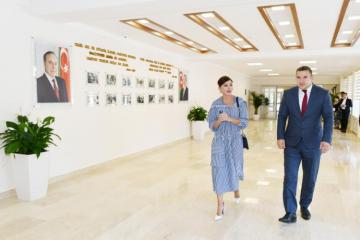First Vice-President Mehriban Aliyeva viewed conditions created at newly-renovated school No 113 in Kurdakhani district