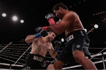 Магомедрасул Меджидов успешно дебютировал на профессиональном ринге