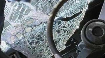 Sabirabadda minik avtomobili aşıb, sürücü ölüb