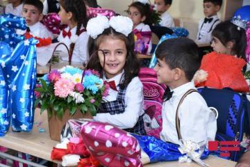Первый день учебного года в Азербайджане - [color=red]ФОТО[/color]