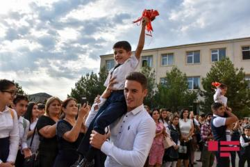 First school day of new academic year in Azerbaijan - [color=red]PHOTOSESSION[/color]