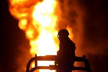 Восемь человек погибли при сильном пожаре в России