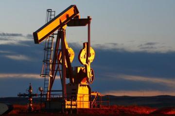 Цена на нефть обвалилась после резкого скачка