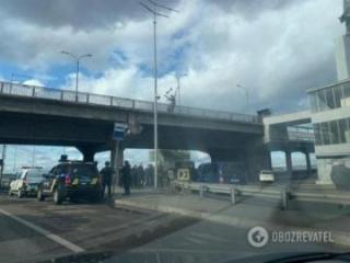 Metro Bridge in Kyiv on shutdown amid bomb threat - [color=red]PHOTO[/color] - [color=red]UPDATED[/color]