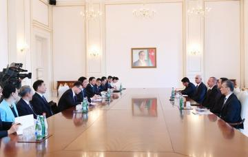 Prezident  İlham Əliyev Ümumçin Xalq Nümayəndələri Yığıncağı Daimi Komitəsinin sədrini qəbul edib