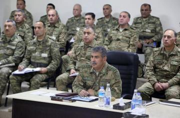 Azerbaijani Defense Minister holds meeting on training - [color=red]VIDEO[/color]