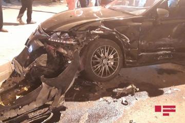 В Мингячевире столкнулись 3 автомобиля: есть пострадавшая  - [color=red]ФОТО[/color]