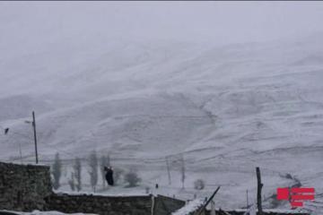 Qubanın Xınalıq və Qrız kəndlərinə qar yağıb - [color=red]FOTO[/color]