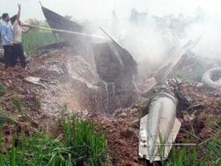 Indian Air Force fighter jet crashes in city of Gwalior
