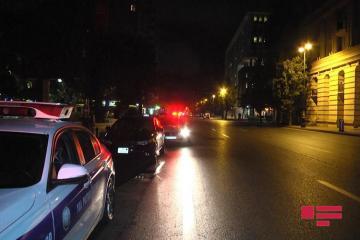 В Баку нетрезвая девушка-водитель пыталась помешать работе полиции - [color=red]ФОТО[/color] - [color=red]ВИДЕО[/color]