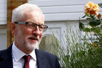 UK's Corbyn to meet opposition leaders to discuss Brexit tactics