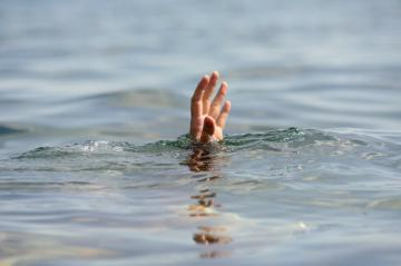 В Гахе в искусственном водоеме обнаружен труп мужчины