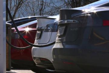 Elektromobil sənayesi Almaniyada 100 mindən çox iş yerinin ixtisarına səbəb olacaq