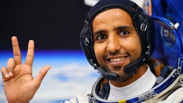 Первый космонавт ОАЭ рассказал, как изменился внешне в космосе