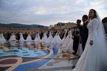 Массовая свадьба в Дербенте попала в Книгу рекордов Гиннесса - [color=red]ФОТО[/color]